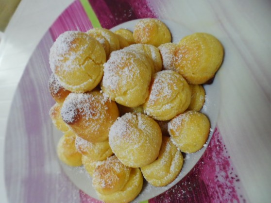 """New Year's"" Pastry Cream Profiteroles"